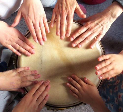 Bildungsserver Titelbild Rhythmuswelten – Trommeln in der Pädagogik